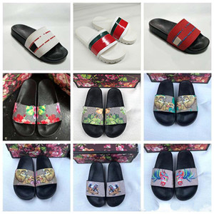 Wholesale 2019 Designer Rubber Sandals New Floral brocade Mens Fashion Slippers Red White Gear Bottoms Flip Flops Womens Slides Casual Flats slipper
