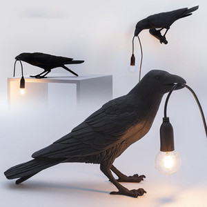 Italian Seletti Bird Lamp Modern Black White Bird Table Lamp Resin Crow Desk Lamps for Bedside Bedroom Kid's Room Art Decor Home Wall Sconce