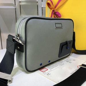 Wholesale Top Quality fashion messenger bag for men and women totes Bags Cute style real leather crossbody shoulder camera bag for ladies X19X6cm