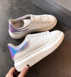 Wholesale Classic Laser Rainbow Reflective Casual Shoes Designer White Black Leather Cycling Shoes Girl Women Men Comfortable Mens Flat Sports Shoes