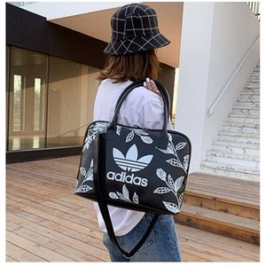 New recommended clover shoulder bag slung portable leisure travel trend bag personality street business Mummy bag on Sale