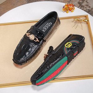 Wholesale 2019h fashion men s wedding shoes men s dress shoes business men s loafers leather crocodile road peas shoes with original box packaging