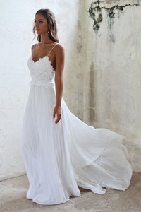 2019 Applique Lace Sweep Train Beaded Bridal Wedding Gowns Cheap Beach Boho Wedding Dress With Spaghetti straps Elegant on Sale