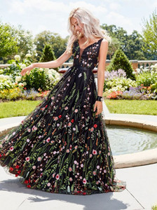 Sexy deep V sleeveless embroidered dress Slim backless big swing skirt prom dress long skirt full of flower Luxury Designer skirts Party