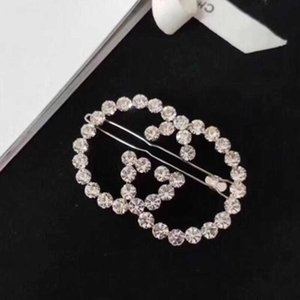 Wholesale Latest Fashion Hollow Letters Hair Clips Barrettes Bling Bling Crystal Rhinestone Bobby Pins Women Girl Charm Hair Jewelry Accessories
