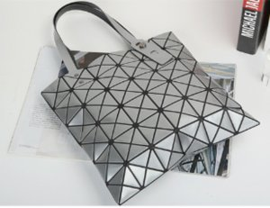 Wholesale Japan Three House Lifetime Single Shoulder Woman Package Geometry Diamond Lattice Laser Light Noodles Fold Handbag