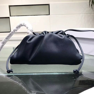 2019 Genuine Top Quality Desinger The Pouch Soft Calfskin Ladies Small Clutch Bag Hand Fashion crossbody women Cloud Bag