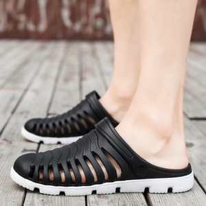 Wholesale 2019 Slides Men Summer Mens Slippers Casual Beach Slippers New Fashion Hole Holkes Shoes Dual Purpose Half Man Footwear