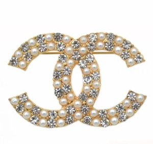 Wholesale New Arrival Elegant Designers Brooches Stylish Alloy Bow Brooch Luxury Crystal Brooch Pins Women Clothing Suits Accessories Brooches Jewelry