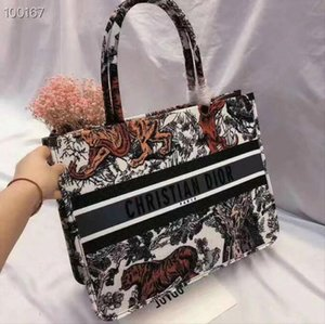 2019 spring new D-pattern pattern designer ladies shopping bag fashion casual very nice handbag 9 colors choice