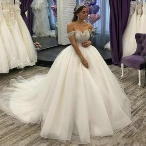 Luxury Arivilloso Princess Wedding Dresses Off Shoulder Lace Appliques Beaded Crystals Bridal Gowns Sweep Train Wedding Dress Bridal Gowns