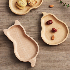 Wholesale Natural Wooden Dishes Snack Fruit Dessert Plate Cat Apple Pear Shaped Food Tray Kitchen Dinnerware Tableware