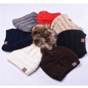 Wholesale Women Winter Warm Hat Beanie With Cute Faux Fur Pom Pom Ball Knitted Cap Skully Outdoor Female Casual Ski Hats plush lining thickening