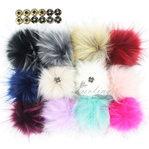 Wholesale 12pcs Faux Raccoon Fur cm Fluffy Pom Pom Ball With Press Button For Hat Beanie Accessories Women Keychain Hand Bag Charms T8190705