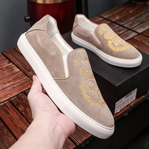 2019 Brand Designer Luxury Casual Shoes Khaki Golden Embroidery Slip on Fashion Shoes Street Light Top Quality with Box 9945CE