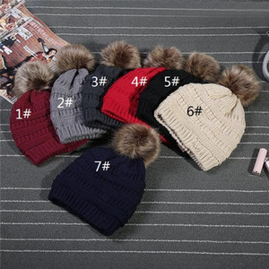 Unisex Trendy Hats Winter Knitted Fur Poms Beanie Label Fedora Luxury Cable Slouchy Skull Caps Fashion Leisure Beanie Outdoor Hats MD001