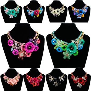 Wholesale Elegant colorful beautiful flowers decorations pendant necklace new product listing custom made rhinestone necklace women necklace