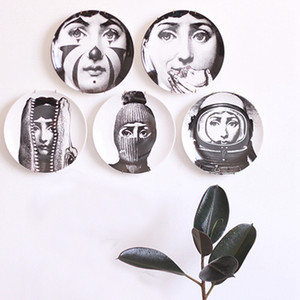 Wholesale office decors for sale - Group buy Retro Home Wall Decoration Hanging Round Ceramics Printed Portrait Plates Durable Coffee Shop Home Wall Decor Inch Plates DH0728 T03