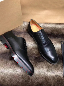 ingrosso merletti i pattini di vestito neri-Di lusso degli uomini di nozze piatto scarpe di lusso di qualità inferiore rossa Mocassini Lace up Scarpe Oxford Tacchi bassi Cuoio Greggo Flat Black Party Dress