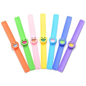 Wholesale 50pcs Student Cartoon Slap Bracelets Emoji Smile Face Silicone Band Aroma Essential Oils Diffuser Bangle Kids Boys Gift
