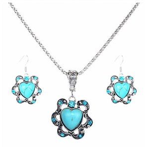 Wholesale Europe And The United States National Wind Love Hollow Flowers Diamond Turquoise Pendant Hot Necklace