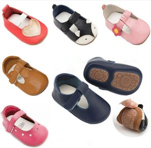 2019 new hot sell hard sole summer breathe freely genuine leather T- strap style baby moccasins shoes baby girl boys shoes Y200103 on Sale