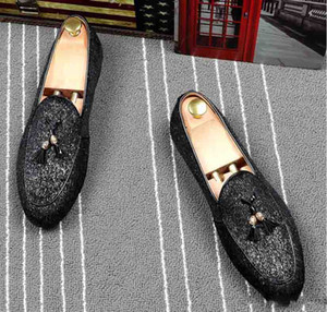Wholesale 2019 new Fashion Casual Formal Shoes For Men Black Genuine Leather Tassel Men Wedding Shoes Gold Metallic Mens Studded Loafers