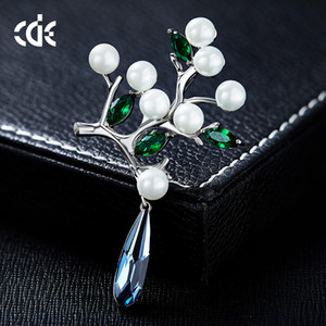 Wedding Party beaded pearl gift woman lady diamond jewelry Brooches for bride acting initiation graduation CDE-1292 on Sale