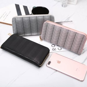 Pretty2019 Noodles Light Wave Grain Take Change Card Wallet Hand Catch Package Women's Small Bag Tide