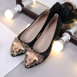 Wholesale man made diamonds for sale - Group buy 2019 Autumn New Style Cone Shoes Pointed Shallow Mouth Flat Top Shoes Man made Diamond Large Size Anti slip WOMEN S Shoes Factor