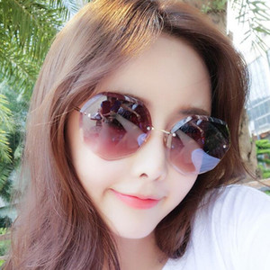 Wholesale Luxury designer Sunglasses For Women Fashion Designer Sun Glass Oval Frame Coating Mirror UV400 Lens Carbon Fiber Legs Summer Style Eyewear
