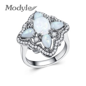 Wholesale Wukalo Vintage Unique Fire Opal Women Rings Oval Princess Flower Wedding Bands Jewelry Female Range Accessory