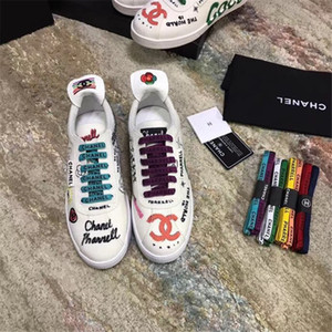Wholesale Women Men Leisure Shoes Flat Sneakers Fashion Trend Colorful Letters Print Lace Up Best Quality Casual Lovers Sneakers Size