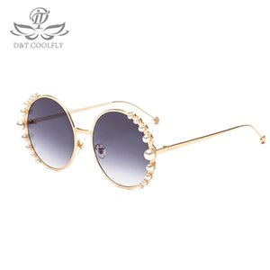 Wholesale D amp T New Luxury Pearl Sunglasses Women Fashion Metal Frame Round Sunglasses Brand Designer Mirror Pearl Sun Glasses UV400