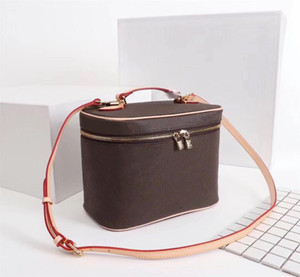 Wholesale cosmetic bag compartments for sale - Group buy Bucket bag for women classic Cosmetic Case leather women shoulder bag Tote handbags presbyopic purse makeup case purse Cosmetic bag nice bb