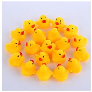 Wholesale 1000pcs lot Wholesale mini Rubber bath duck Pvc duck with sound Floating Duck Fast delivery Swiming Beach