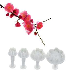 Wholesale cake decorating flower cutters plunger resale online - 4pcs set Peach Blossom Shape Plastic Cookie Cutters Flower Series Pastry Biscuit Mold Plunger Cake Decorating Tools