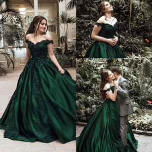 el rojo de la alfombra al por mayor-Vintage Dark Green Ball Bown Vestidos de noche de fiesta formal Elegante Off Off Aplique Sustitin Leche Long Formal Pageant Bats