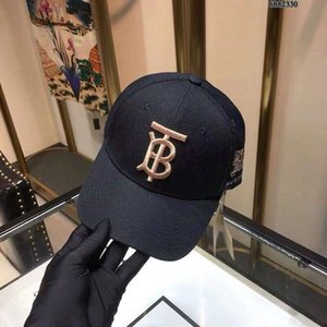 Wholesale Knight Embroidery Cap Fashion Hat Designer Caps Men Woman Baseball Cap Luxury Hats Adjustable White and Black Colors Optional High Quality