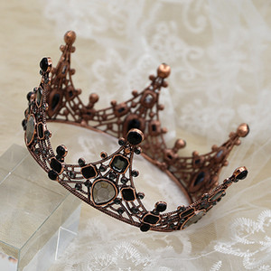 Wholesale Baroque Crown Cake Topper for Birthdays Wedding Retro Vintage Decor Royal Prince Cake Top Decorations Princess Themed Parties Baby Shower