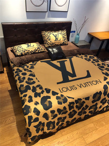 Wholesale Leopard Print Bedding Bed Cover Comforters Cover Sets Designer Queen Women Bedding Set Four Pieces Set Thicken Style Bedding Sets