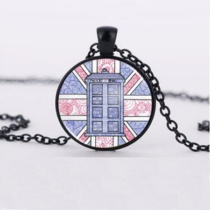 Wholesale British Police Box and Union Jack Flag Illustrated Fashion Glass Pendant Necklace Wholesales Focus on handmade jewelry