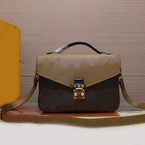 POCHETTE Crossbody bags M40780 V Metis Genuine cowhide leather shoulder bags women handbags purses tote bag Brown flower