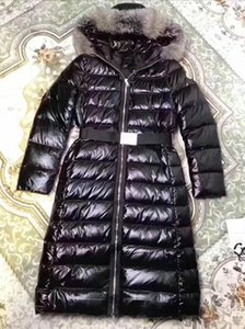 Wholesale new women jacket real fur coat high quality thicker with white duck As fashion stlye real recoon biggest fur on the hood coat for wome