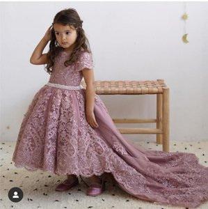 Dusty Pink High Low Flower Girls Dresses for Wedding Jewel Neck Short Sleeve Lace Appliques Toddler Pageant Dress Pearls Belt Kid Prom Gown on Sale