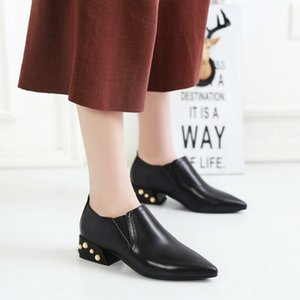 Wholesale Designer Dress Shoes Women Pointed Toe Dress Female Pearl Low Heel Footwear Lady Fashion Leather Pumps