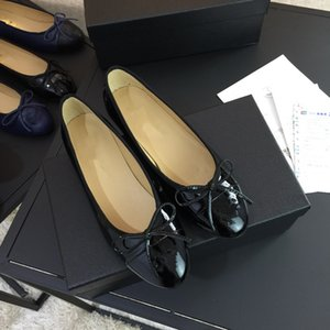 Wholesale Designer luxury Women Summer Patent Matte Leather ballet ballerina flats with rivets pointed shoes Size Many colors xf180324
