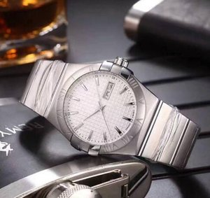 Wholesale 2017 latest listing men luxury watches automatic watch double calendar mechanical movement stainless steel material leisure watch