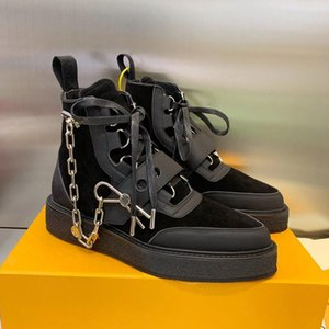 Wholesale Luxury Mens Creeper Ankle Boot with Golden Chain Pin Womens Leather Martin Boots Monogram Booties Sneaker Boot Designer Shoes outdoor shoes