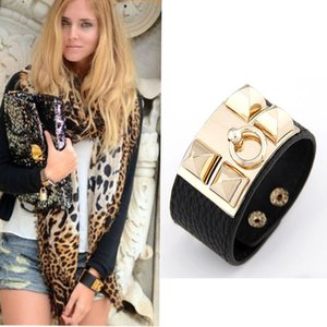 Wholesale High Quality Fashion Europe Style Big Leather Bracelet Simple Wide Leather Bracelet New Arrive Hand Jewelry Women Punk Bangle